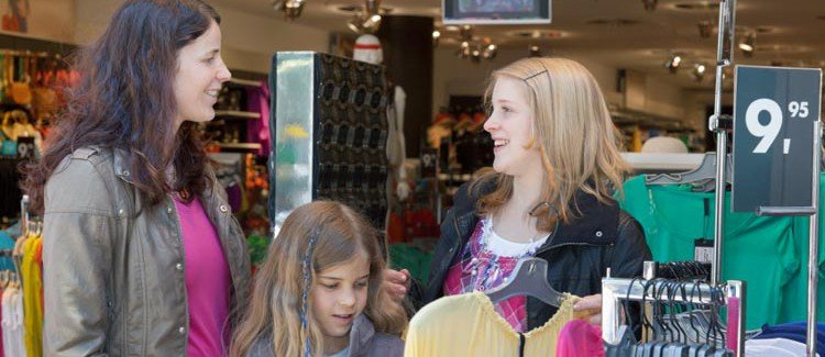 Tips on clothes shopping with your tween or teen