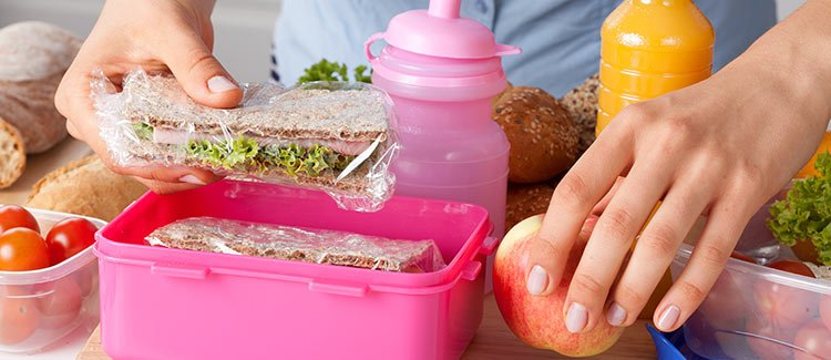 Lunches With Faces – These school lunch ideas have so much personality! Check out how you can create your own darling sandwiches with some simple around-the-house ingredients! Check out how you can create your own darling sandwiches with some simple around-the-house ingredients!